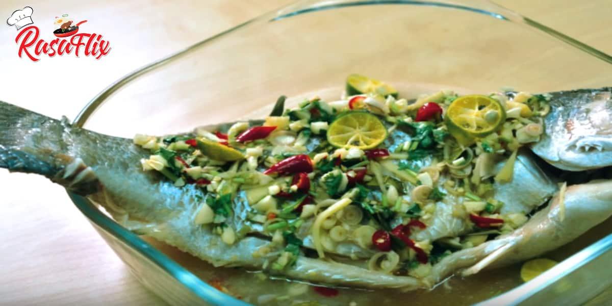 Siakap Kukus Limau Ala Thai | Thai-Steamed Sea bass With Lime