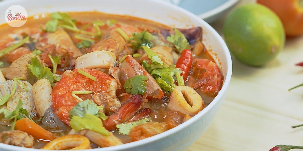 Resepi Tomyam Campur Ala Thai | Thai-Style Mixed Tom Yum Soup Recipe