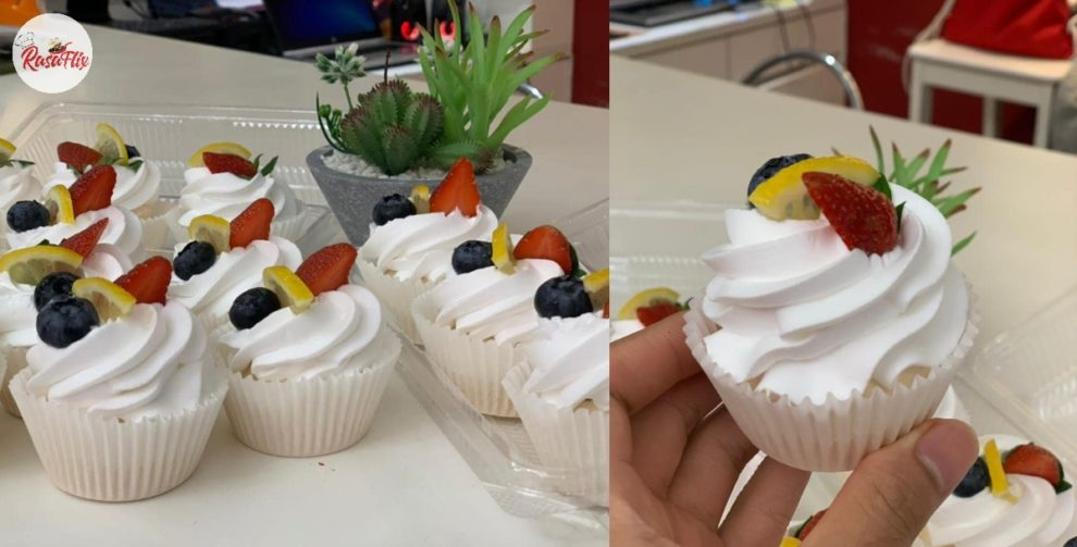 Try This Cute Mini Pavlova Recipe At Home, Happiness In Every Bite!